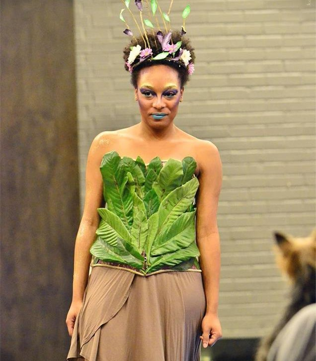 Top made of leaves for catwalk for water look